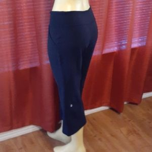 LULULEMON Black Cropped Yoga Pants size 4